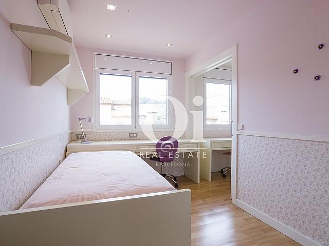Blick in ein Schlafzimmer vom Haus zu verkaufen in Cardedeu.