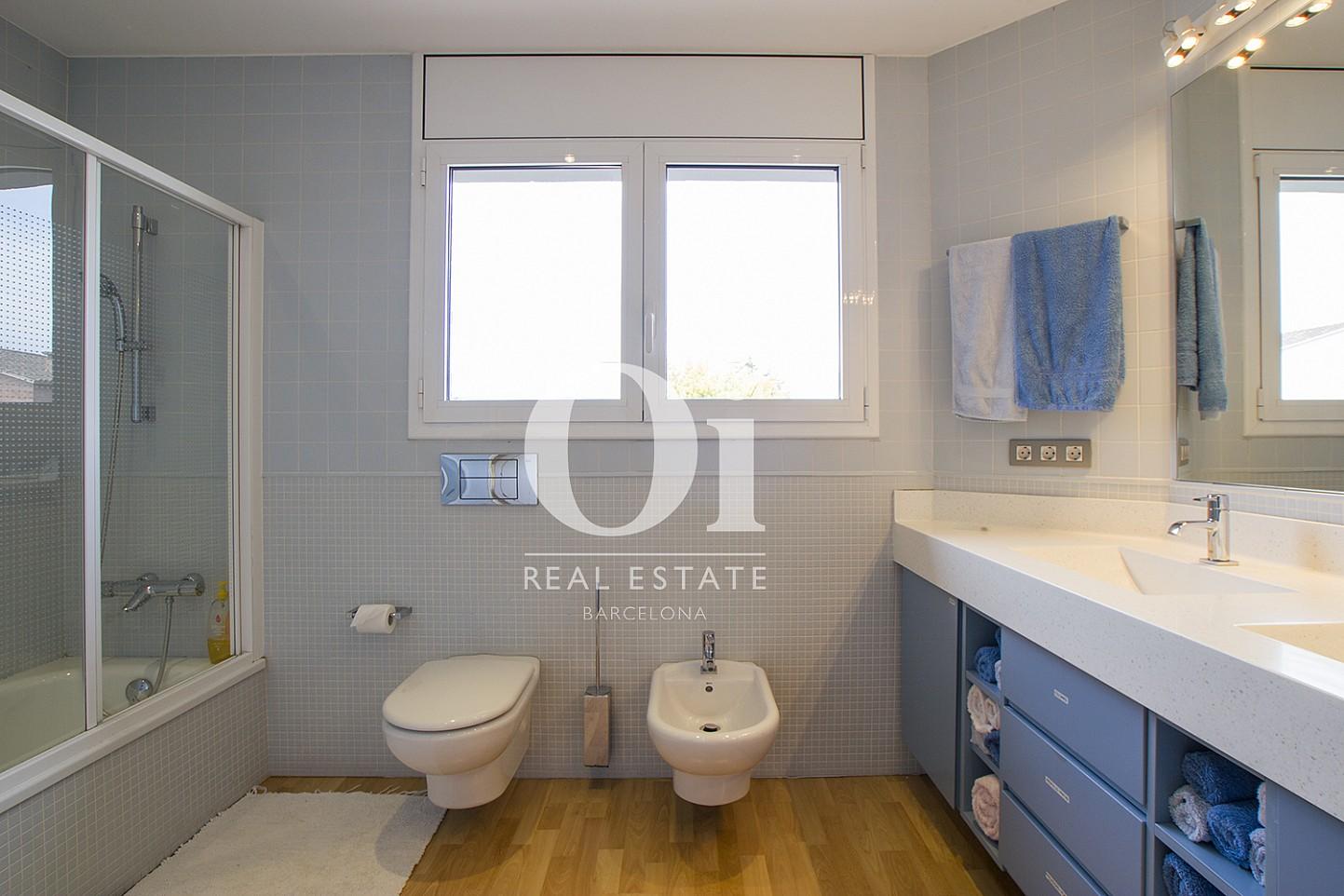 Ванная комната в доме на продажу в Cardedeu, Барселона
