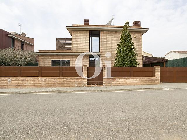 Fachada de casa en venta en Cardedeu, Barcelona