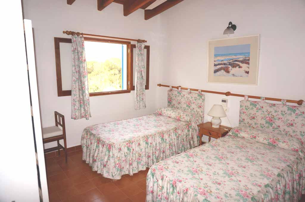 Habitación doble de villa en alquiler de estancia en Formentera