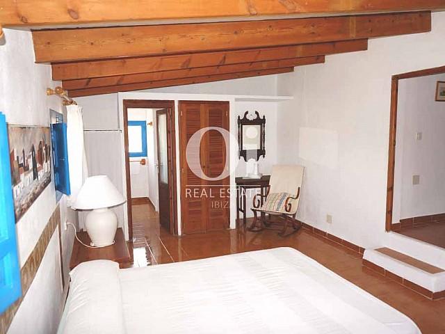 Интерьер в доме, сдающемся в аренду в период летних отпусков на Форментере