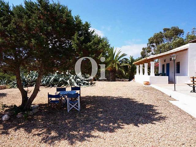 Exteriores de casa en alquiler vacacional en Formentera
