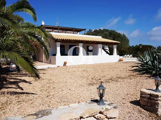 Exterior de casa de alquiler vacacional en Formentera