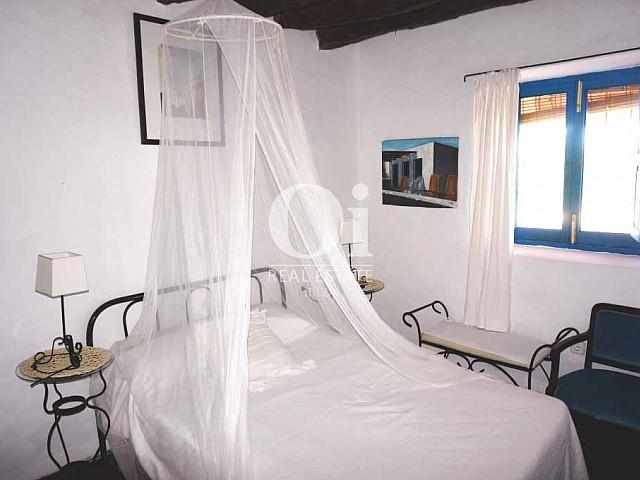 Dormitorio de casa en alquiler vacacional en Formentera