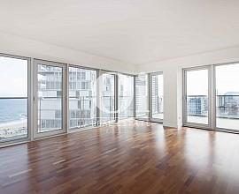 Продается квартира на верхнем этаже в исключительной зоне Diagonal Mar