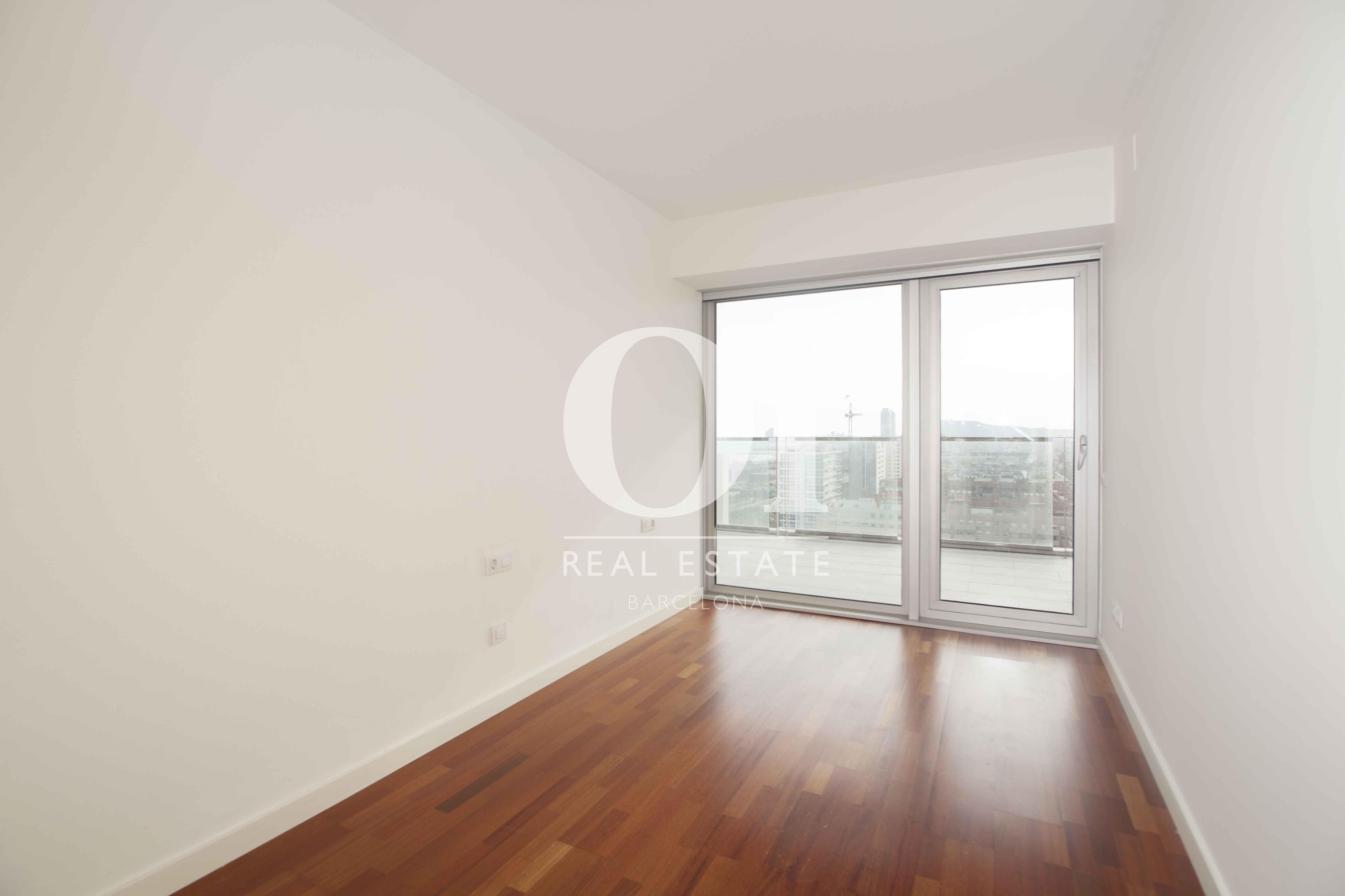 Chambre double de l'appartement en vente à Diagonal Mar, Barcelone