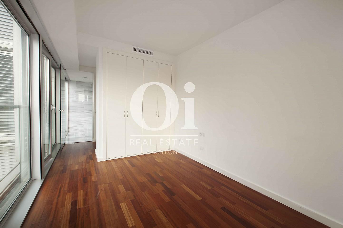 Interior con acceso a terraza de piso en venta en Diagonal Mar, Barcelona