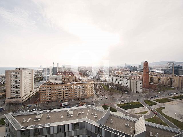 Vue sur Barcelone de l'appartement en vente à Diagonal Mar, Barcelone