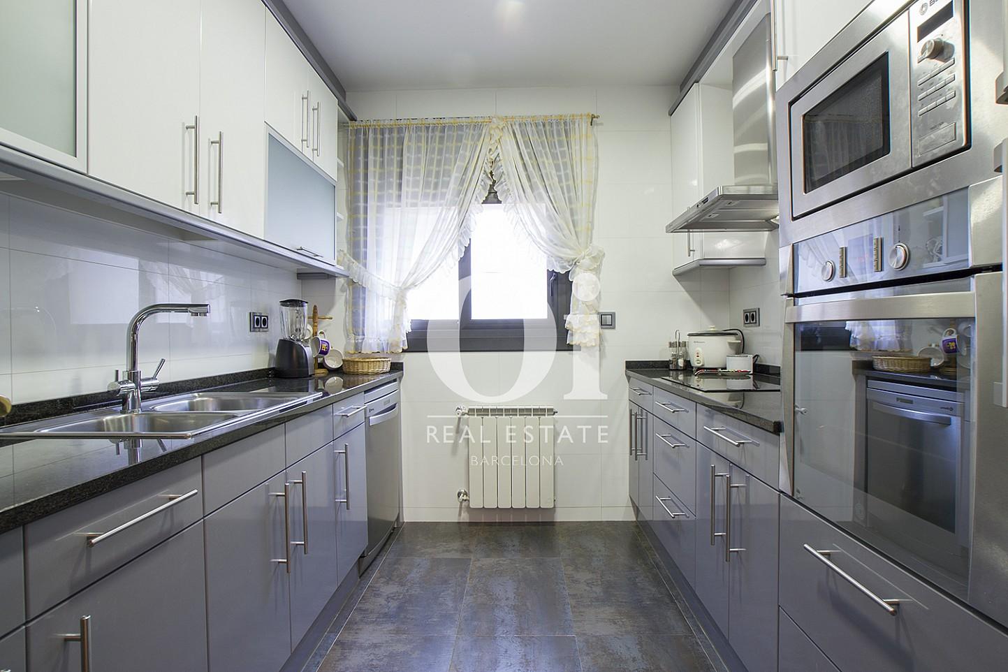 Blick in die Küche vom Haus zum Kauf in Tagamanent, Barcelona