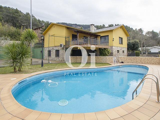 Jardin et piscine de maison à vendre à Tagament, Barcelone