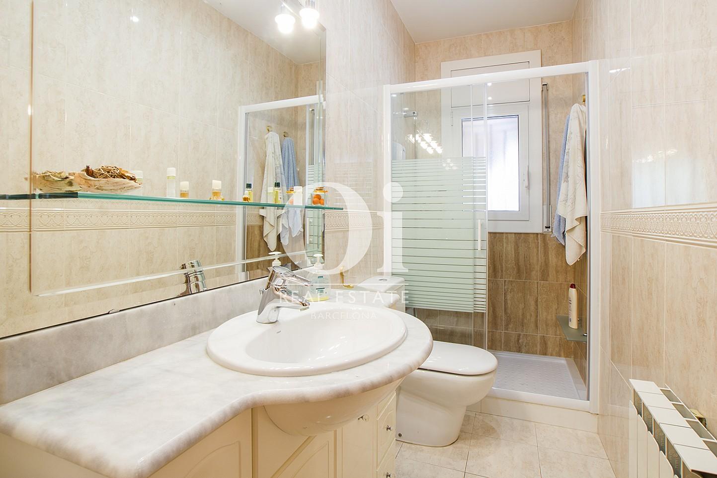 Salle de bain de maison à vendre à Tagament, Barcelone
