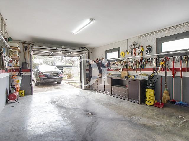 Blick in die Garage vom Haus zum Kauf in Tagamanent, Barcelona