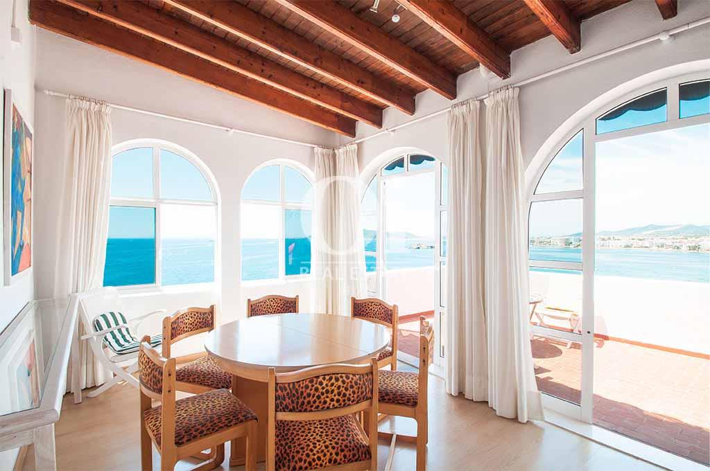 Blick in das Esszimmer der Ferienvilla  auf Ibiza, Los Molinos