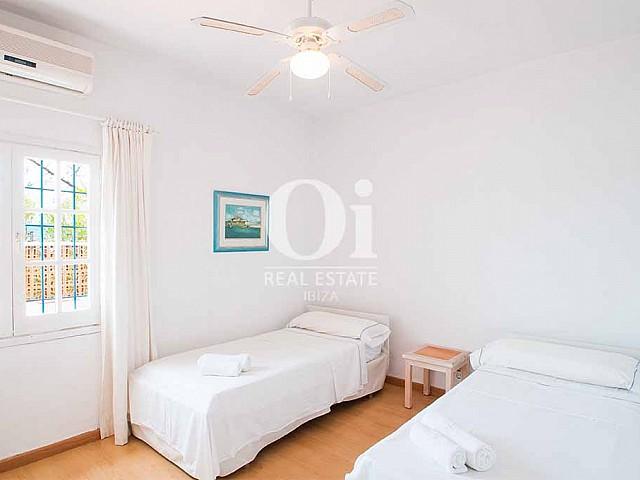 Chambre simple de maison pour séjour en location à Ibiza