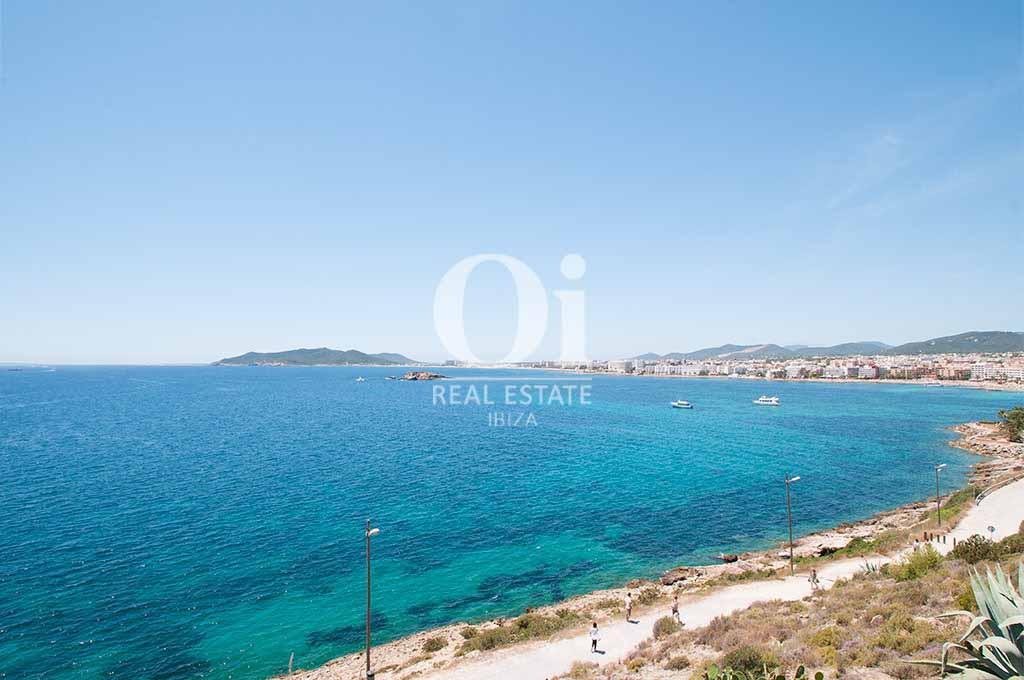 Vistas al mar desde casa de alquiler de estancia en Ibiza