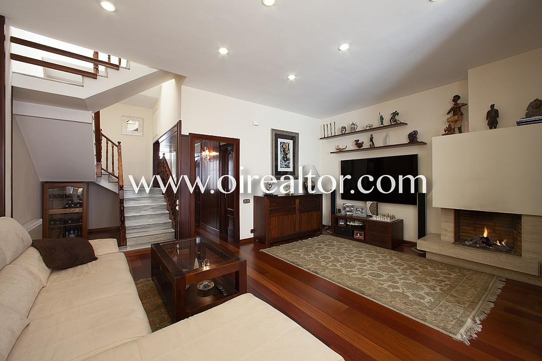 Дом для продажи в La Maternitat i Sant Ramon, Les Corts, Барселона