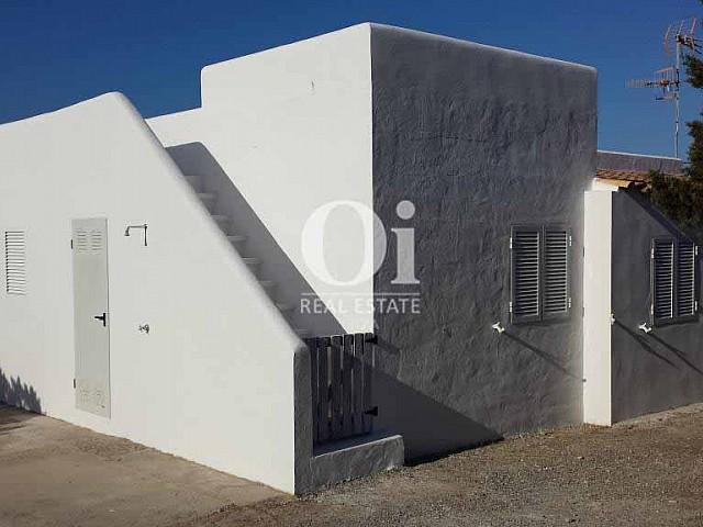 Façade de maison en location de vacances à Formentera