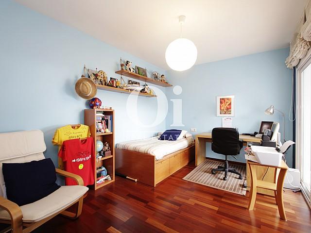 Светлая и уютная комната в замечательном доме в аренду в Premia de Dalt