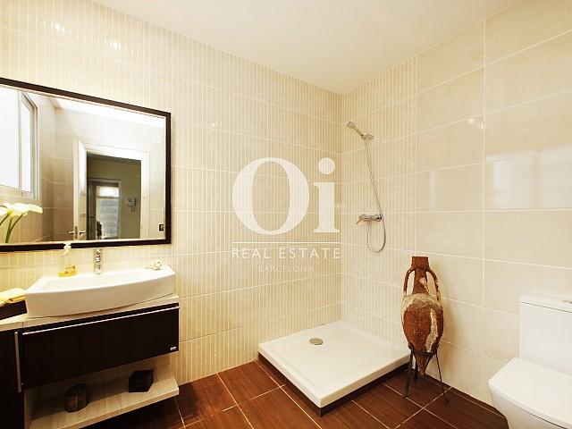 Salle de bain de maison en vente à Premià de Dalt, Maresme
