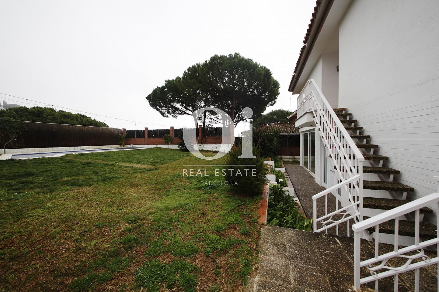 Поразительные окрестности замечательного дома в аренду в Maresme