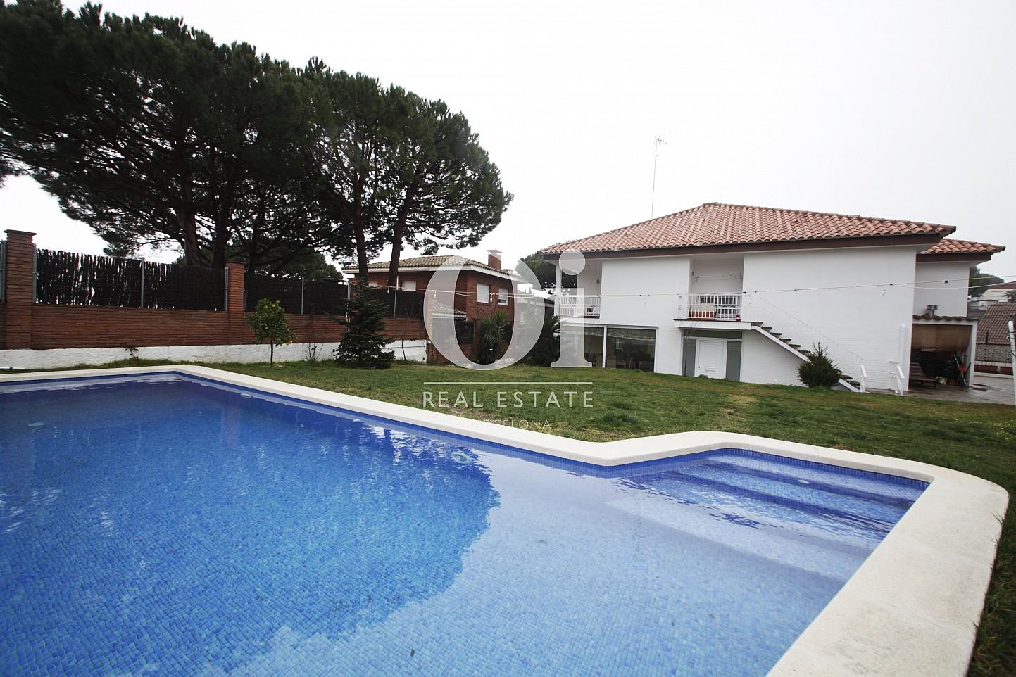 Blick auf den Pool vom Haus zur Miete in Premia de Dalt