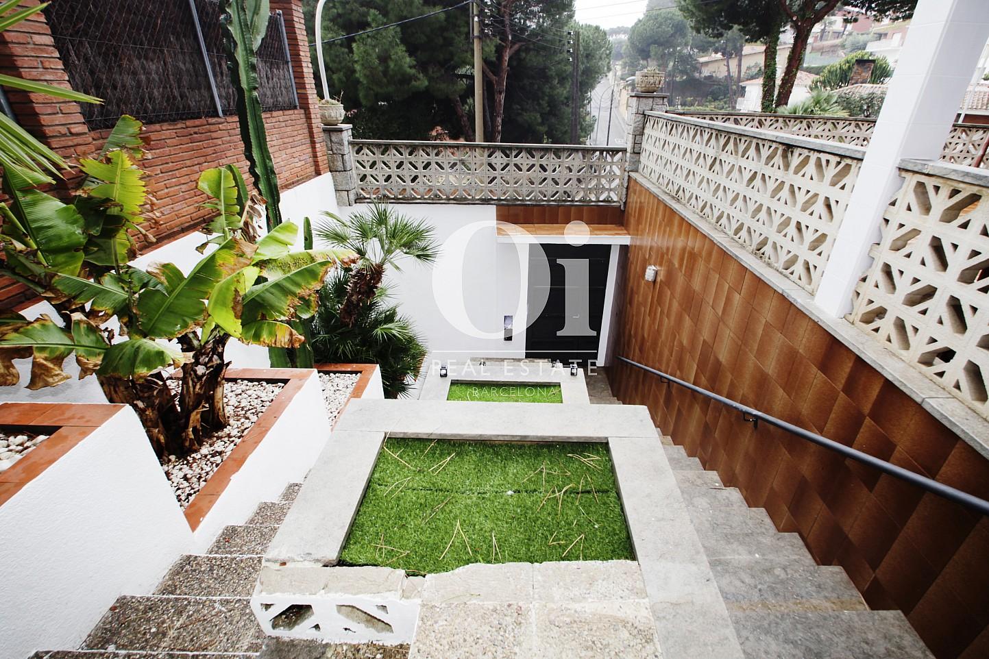 Blick auf den Garten vom Haus zur Miete in Premia de Dalt
