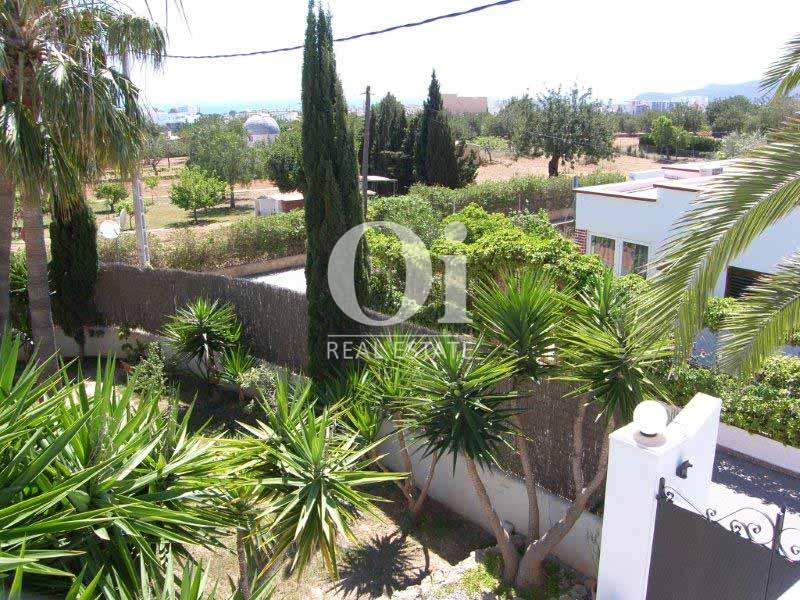 Blick auf die Umgebung vom Haus zum Verkauf in Sant Jose, Ibiza.