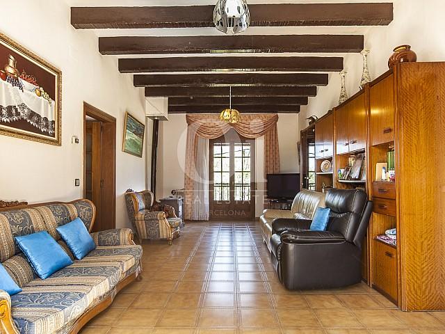 Salle de séjour de maison en vente à Borrassà, alto Ampurdán, Gerona