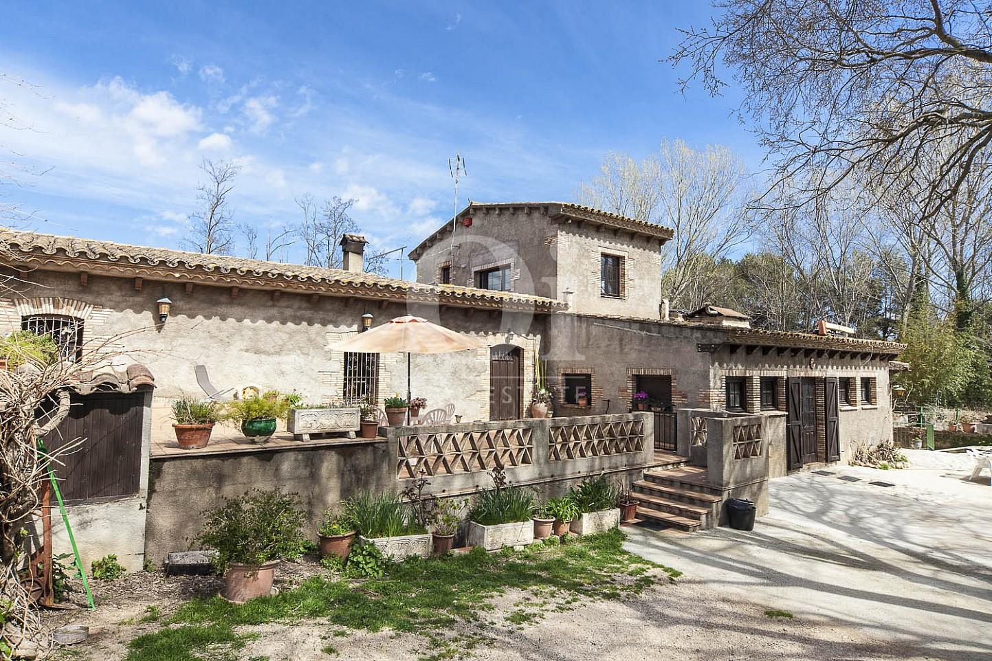 Fachada de casa en venta en Borrassà, alto Ampurdán, Gerona
