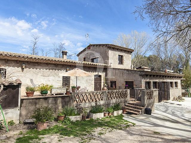Façade de maison en vente à Borrassà, alto Ampurdán, Gerona