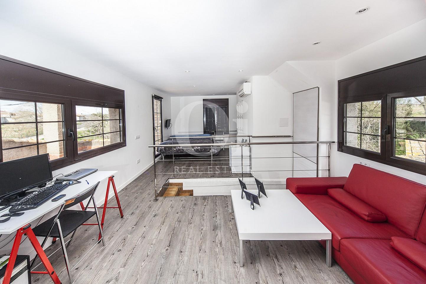 Blick den Wohnbereich vom Haus zum Kauf in Borrassà, Girona
