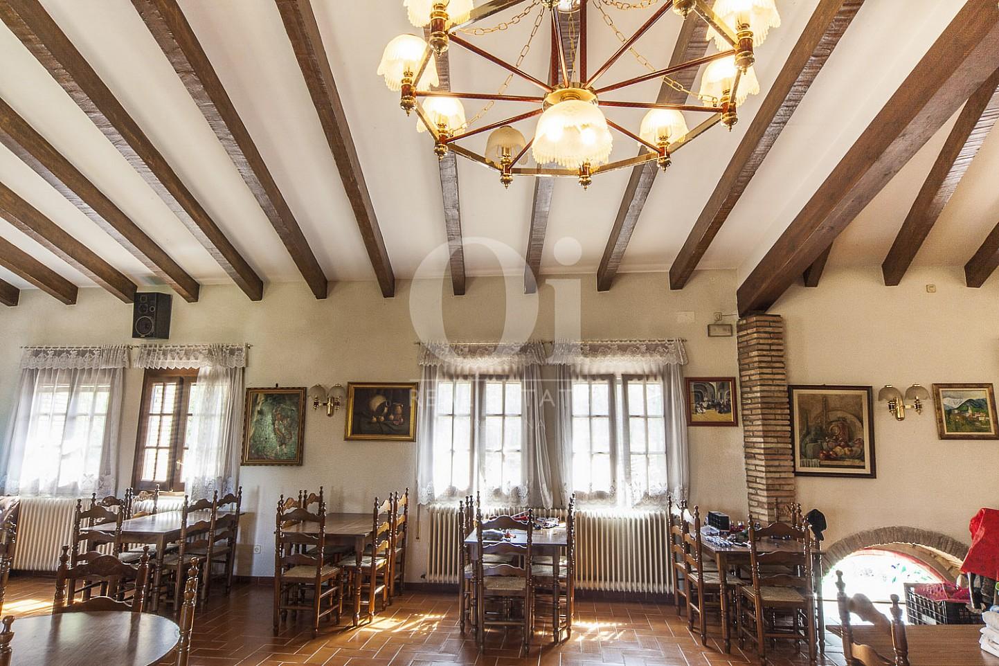 Zona restaurante de casa en venta en Borrassà, alto Ampurdán, Gerona