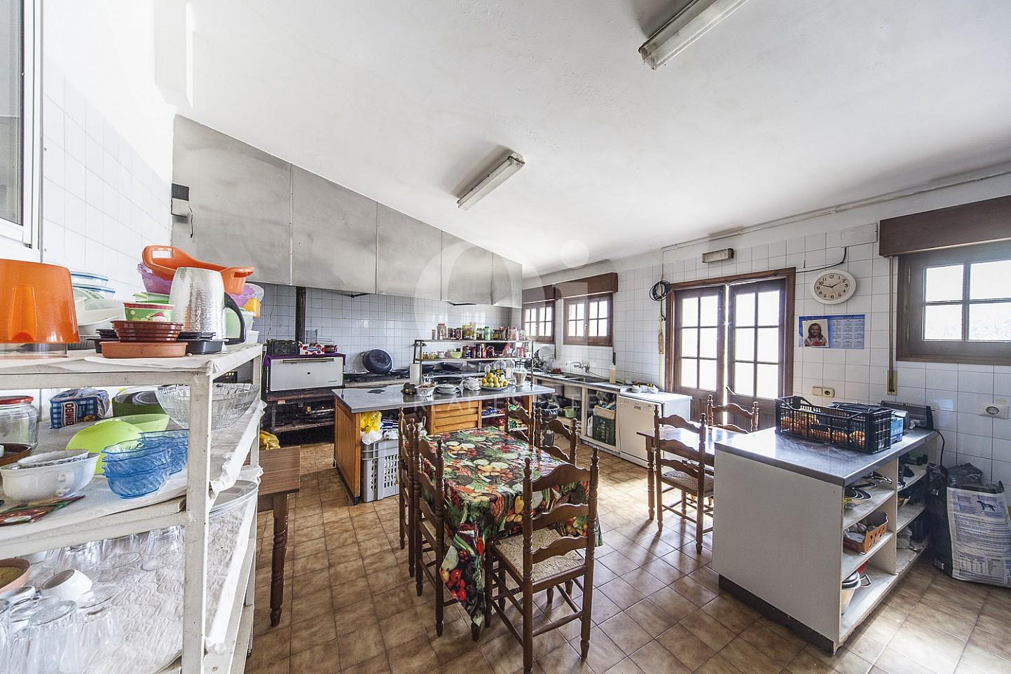 Cocina de casa en venta en Borrassà, alto Ampurdán, Gerona