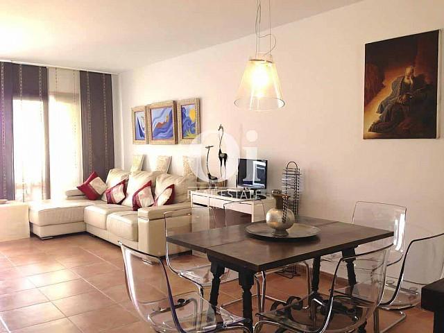 Blick in das Wohnzimmer vom Ferienhaus zur Miete, auf Ibiza