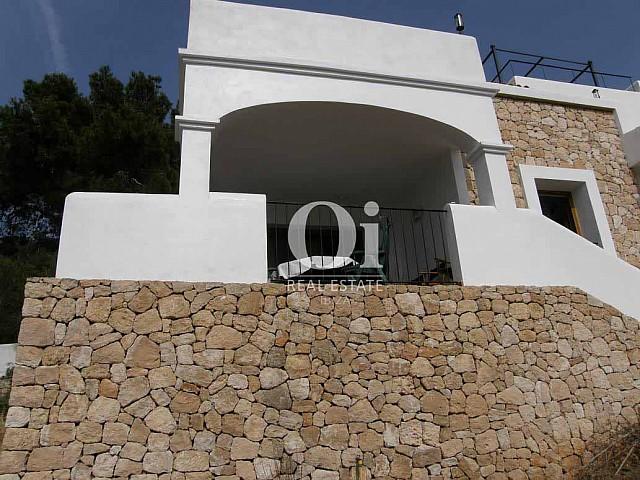 Blick auf die Fassade vom Ferienhaus zur Miete, auf Ibiza