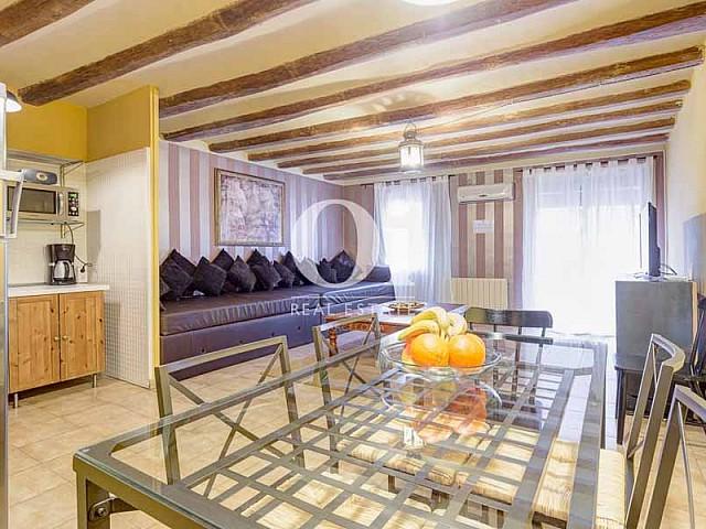 Столовая в квартире на продажу в Готическом квартале Барселоны