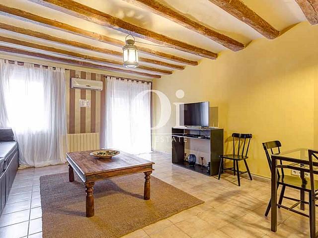 Гостиная в квартире на продажу в Готическом квартале Барселоны
