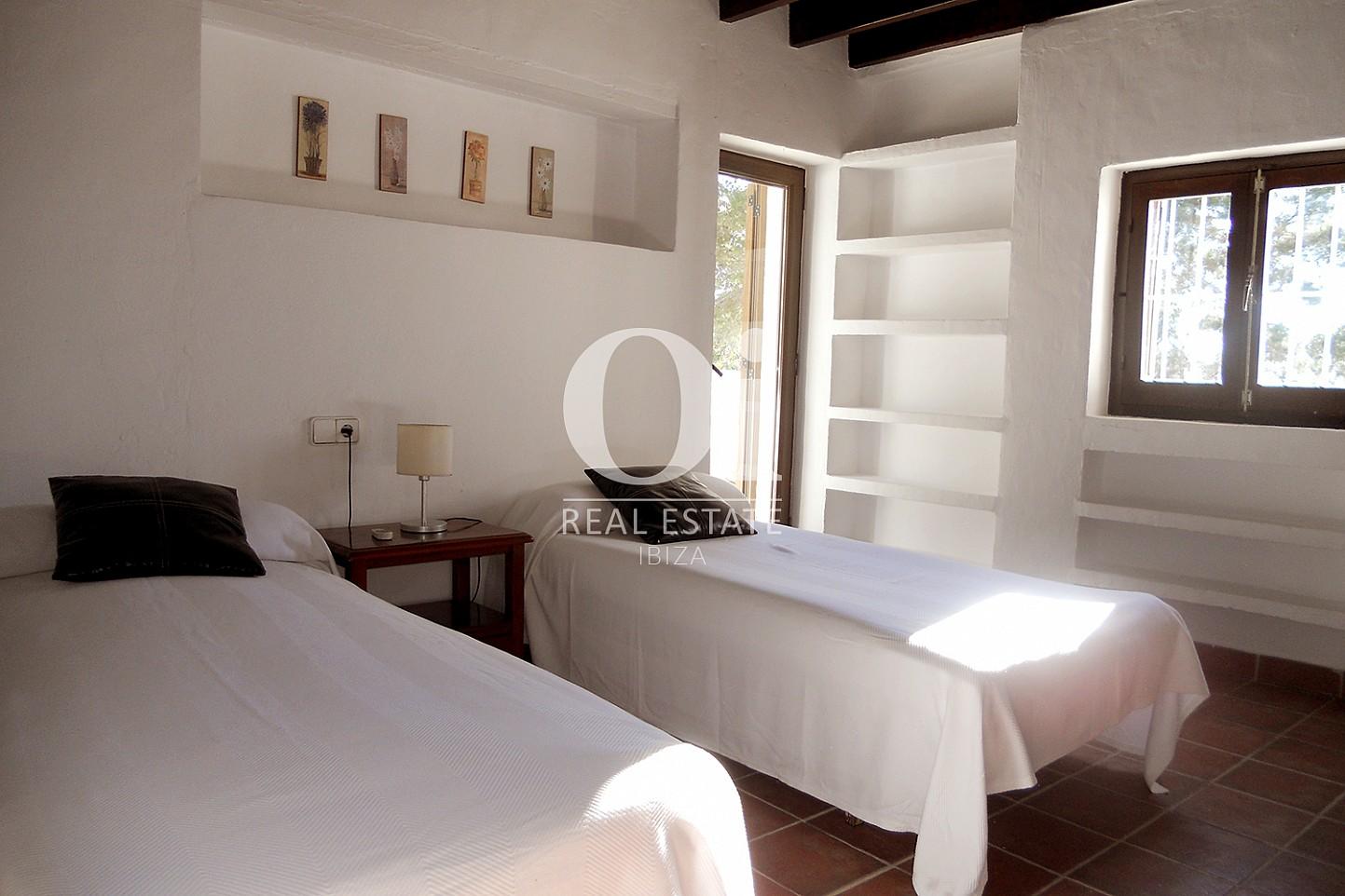 Habitación de dos camas  de casa en venta en Las Salinas, Ibiza