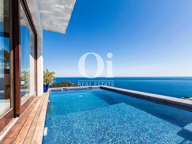 Piscine superbe de maison pour séjour en location à Roca Llisa, Ibiza