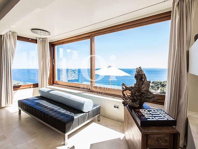 Blick in den Wohnbereich der Ferien-Villa in Roca Llisa, Ibiza