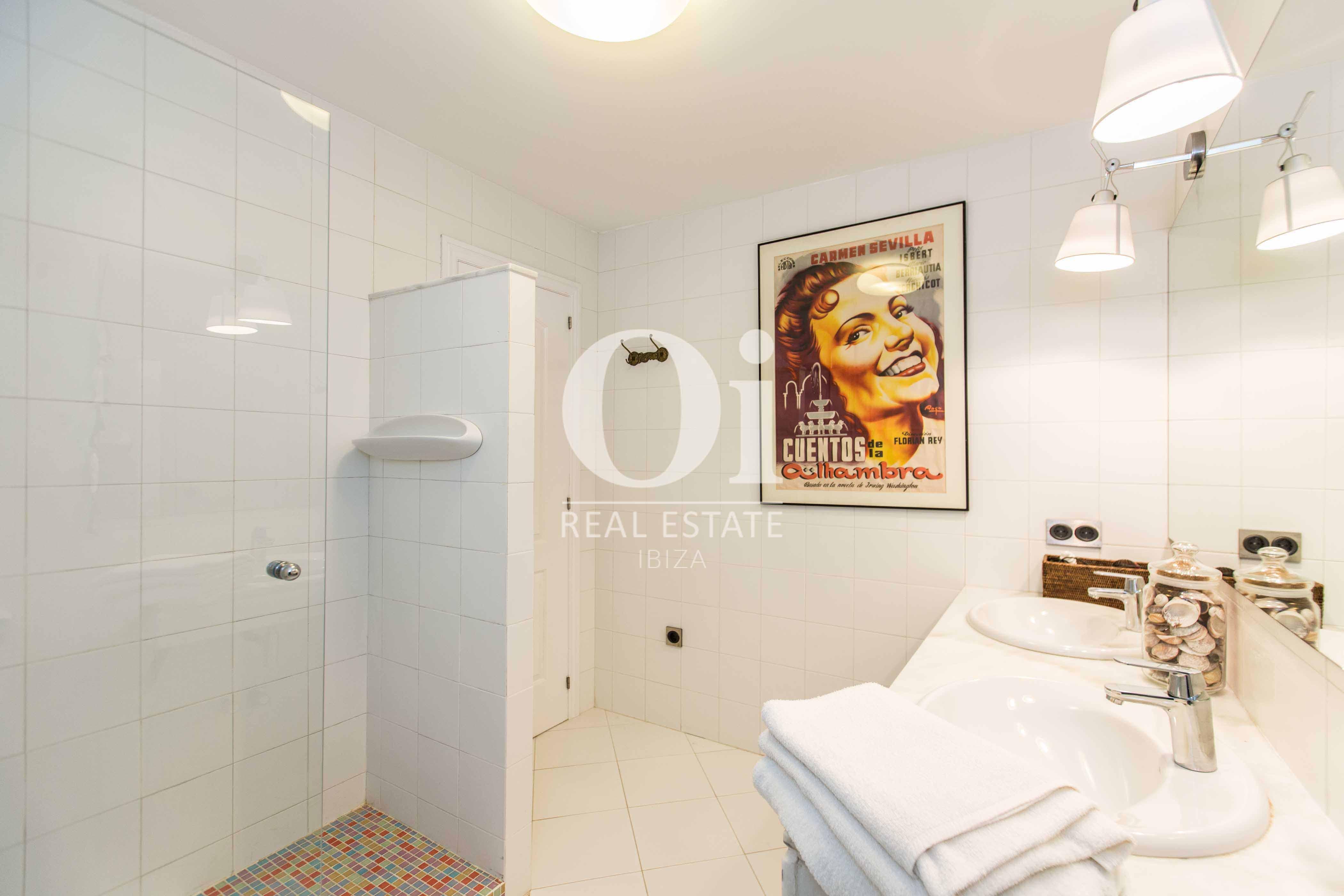 Salle de bain de maison pour séjour en location à Roca Llisa, Ibiza