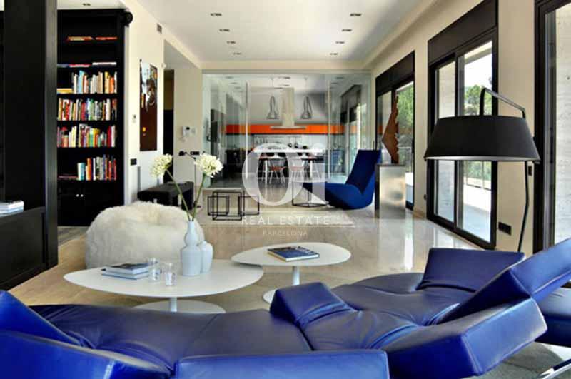 Blick in den Wohnbereich vom smarten Haus zum Kauf, San Feliu de Guíxols