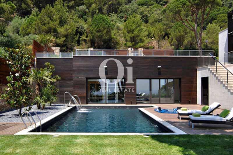 Бассейн дома на продажу в Sant Feliu de Guíxols, Жирона