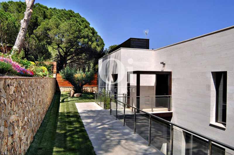 Сад дома на продажу в Sant Feliu de Guíxols, Жирона