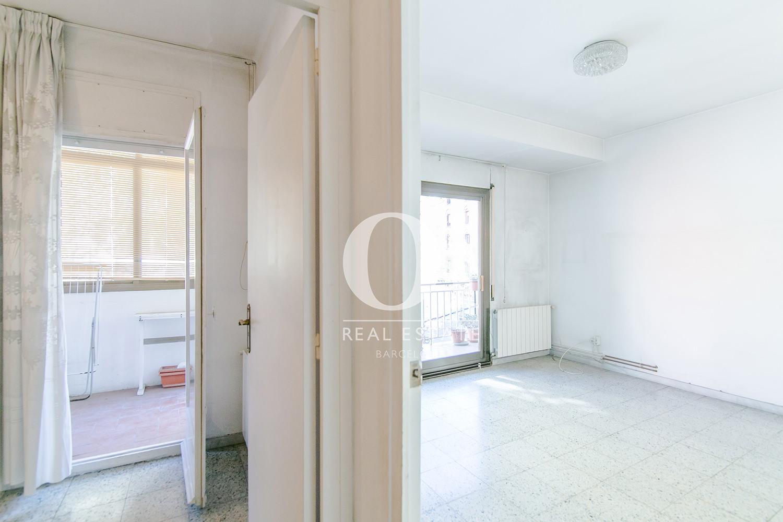 Коридор в квартире на продажу рядом с Больницей Сант-Пау, Baix Guinardo, Барселона