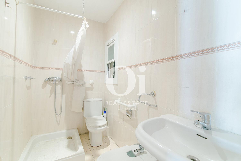 Blick in ein Bad der Wohnung zum Kauf, Hospital de Sant Pau
