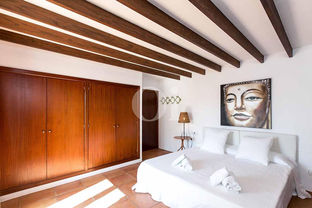 Dormitorio de matrimonio de casa en alquiler de estancia en San Jose, Ibiza