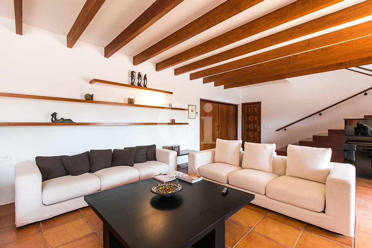 Sala de estar de casa en alquiler de estancia en San Jose, Ibiza