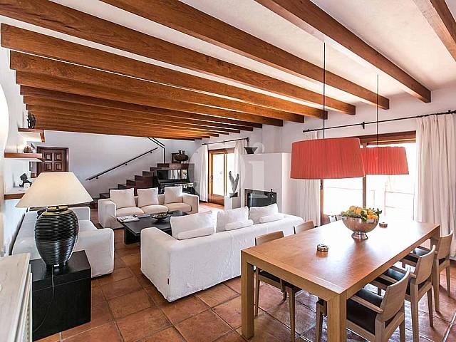 Salle de séjour de maison pour séjour en location à San Jose, Ibiza