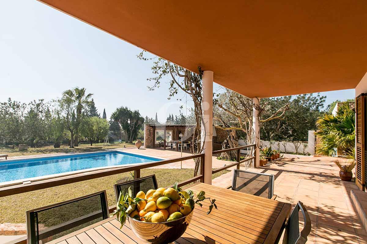 Salle à manger d'été de maison pour séjour en location à San Jose, Ibiza